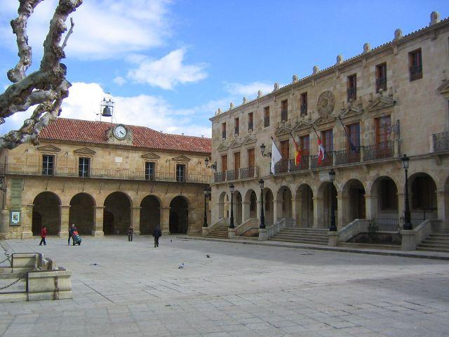 Plaza Mayor de Soria. Public Domain, httpscommons.wikimedia.orgwindex.phpcurid=1928281